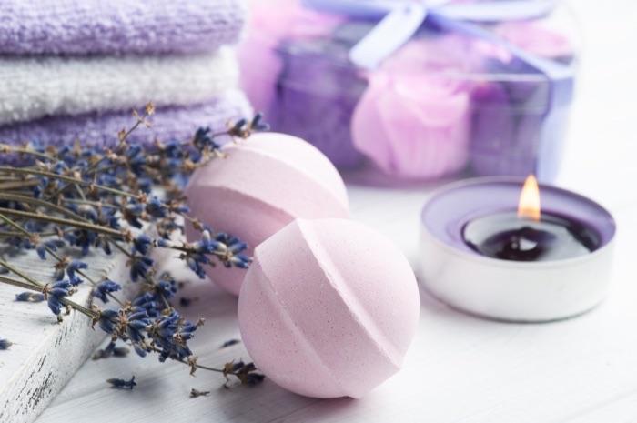 Baño zen y natural con lavanda
